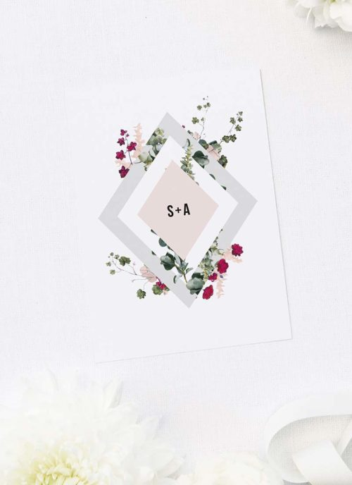 "Dimensions: 5x7"" (127 x 177.8mm) with White envelopes included"