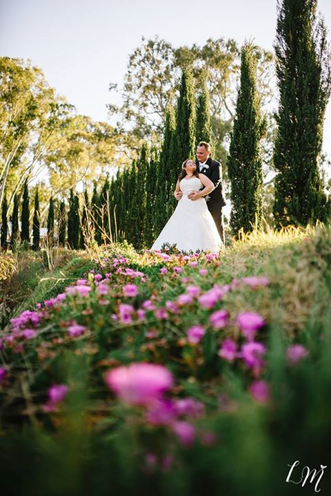 adelaide wedding photographer lucinda may photography rustic outdoors natural garden sail and swan