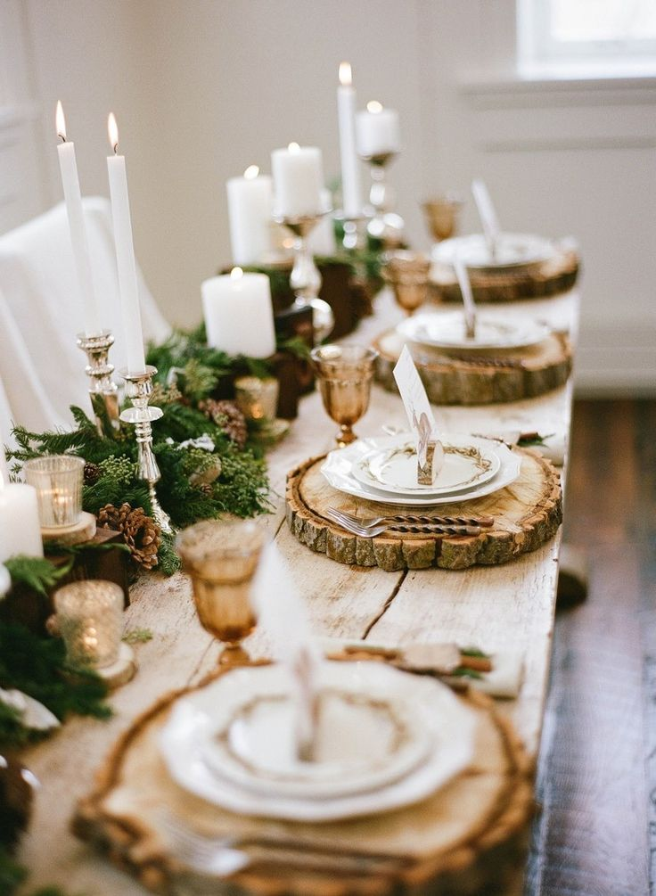 Christmas Table Setting Ideas rustic wooden logs tablemats candles