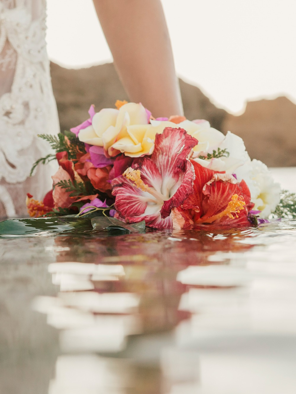 Tropical Boho Wedding Photoshoot in Hawaii - Romantic Hawaiian Wedding